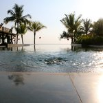 Chongfah Beach Resort resmi