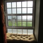 The sea view from the minisuite and the window saet
