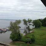 ภาพถ่ายของ Beachfront Hotel Houghton Lake Michigan