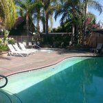Photo de Dynasty Suites Redlands