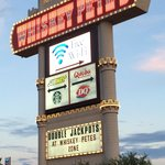 Photo de Whiskey Pete's Hotel & Casino