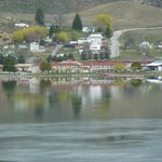 Lake Pateros Inn from Highway