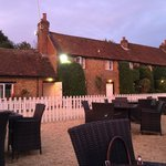 Squirrel Inn at Hurtmore resmi