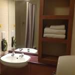 Photo de Premier Inn Enfield