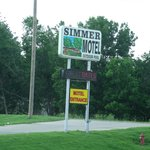 Wamego KS SImmer Motel Sign