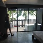 Photo de The COAST Resort - Koh Phangan