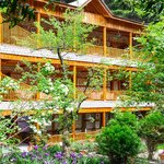 Mayflower Hotel Manali