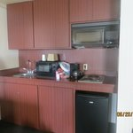 Kitchenette w/ sink,microwave,coffeemaker,small fridge