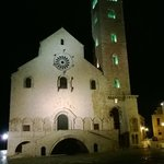 La cattedrale di Trani by night