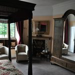 Charingworth Manor resmi