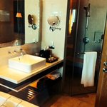 Bathroom Room1619