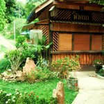 Photo de Cashewnut Tree Bungalows