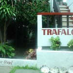 Trafalgar Cottages resmi