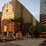 The Royal Pacific Hotel & Towers resmi