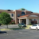 Foto van Holiday Inn Express & Suites Bowling Green
