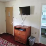 "New 32"" Flat Screen / One Bed Rooms"