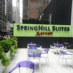 Photo de SpringHill Suites New York Midtown Manhattan/Fifth Avenue