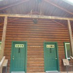 Photo de Huckleberry Lodge Cabins
