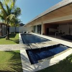 Piscina y Villa - Swimming pool & Villa