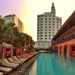 SLS South Beach resmi