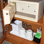 Small safe and tea/coffee facilities