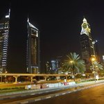 Jumeirah Emirates Towers resmi