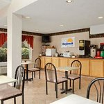 Foto Days Inn and Suites Groton