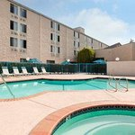 Foto van Days Inn & Suites Fullerton