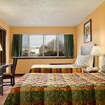 Days Inn and Suites Groton resmi