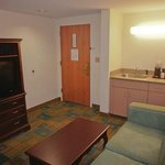 Photo de La Quinta Inn & Suites Boston Somerville