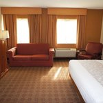 Photo de La Quinta Inn & Suites Raleigh Durham Airport S