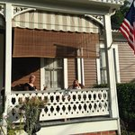 Devereaux Shields House resmi