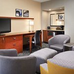 Photo de Courtyard by Marriott Minneapolis-St. Paul Airport