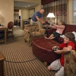 Embassy Suites Northwest Arkansasの写真