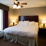 Homewood Suites by Hilton Bloomingtonの写真