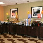 Hampton Inn Youngstown Northの写真