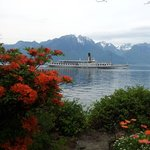 Beautiful gardens and Lake Geneva
