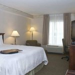 Photo de Hampton Inn & Suites Newport-Middletown