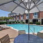 SpringHill Suites NW Hwy at Stemmons/I-35E resmi