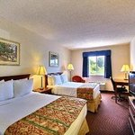 Baymont Inn & Suites Howell resmi
