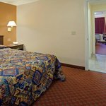 Foto de Americas Best Value Laguna Inn & Suites