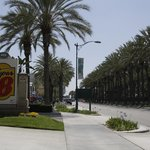 Super 8 Anaheim/Near Disneyland resmi