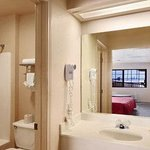 Days Inn And Suites Braunig Lake照片
