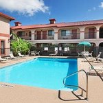 Comfort Inn & Suites At Braunig Lake Elmendorf