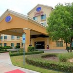 Photo of Comfort Suites Austin Airport