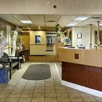 Days Inn Livonia Foto