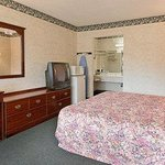 Photo de Days Inn LaGrange