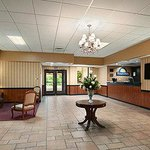 Photo de Days Inn Butler-Conference Center