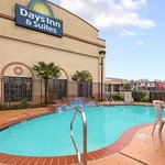 Opelousas Days Inn & Suites resmi