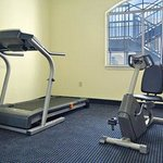 Photo de Days Inn And Suites Houston Channelview TX